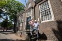 Son - Henk Hutten en mevrouw Joop Dijsselbloem van de Heemkundekring