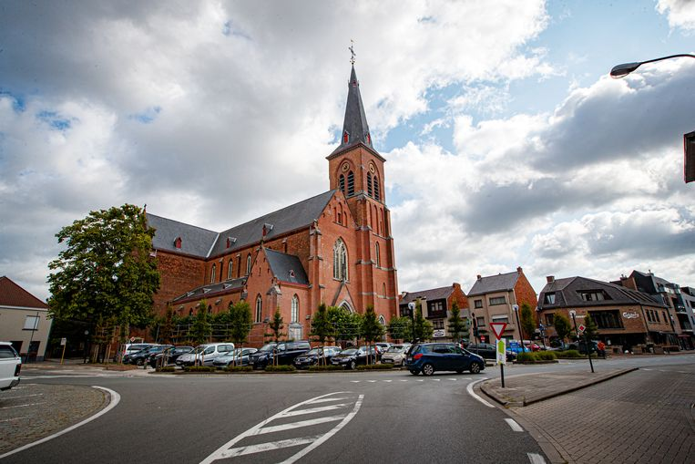 Het dorp van Knesselare wordt dinsdag te klein.