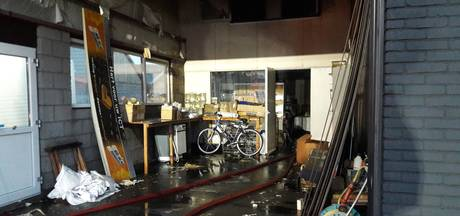 Korfbalclub is 180 shirts kwijt door brand