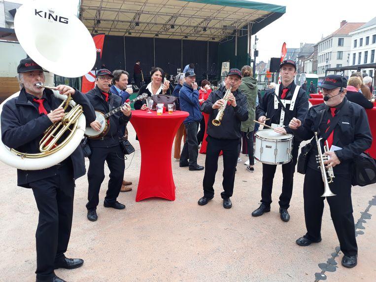 Viering 1 mei op de Veemarkt in Mechelen.