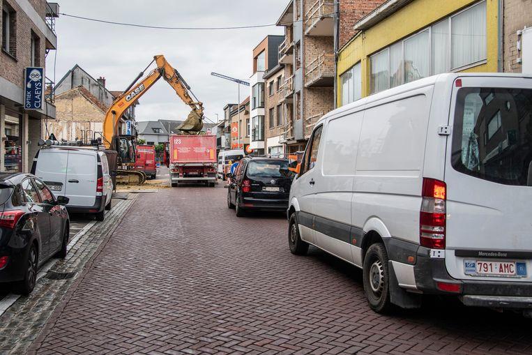 Verkeerschaos in de Kerkstraat, ook dat is tegenwoordig haast dagelijkse kost.