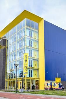 Gemeente trekt boetekleed aan bij omstreden komst van blauw-gele loods in wijk