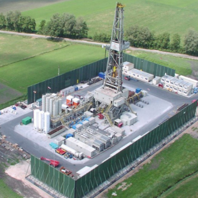 De 'movable sound wall' van Bakker Oilfield Supply Coevorden.