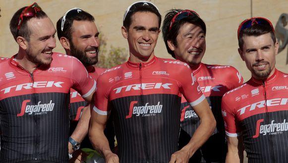 """Cardoso, naast Degenkolb, Coledan, Contador en Beppu helemaal rechts: """"Ik hoop echt dat het B-staal negatief is en dat mijn naam dan gezuiverd zal zijn."""""""