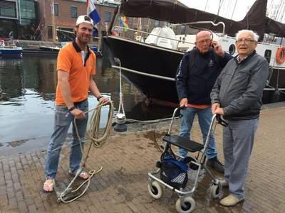 Rollator van Nijmegenaar uit water gehaald bij Sail Den Helder