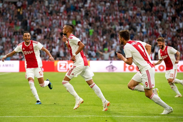 Hakim Ziyech brengt Ajax op voorsprong tegen Sturm Graz Beeld anp