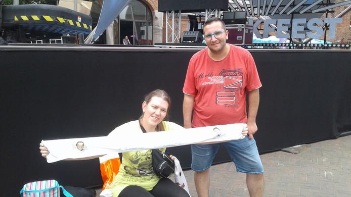 Jacqueline van Aalsburg en Kenny Vermunt waren al rond elf uur in Waalwijk.