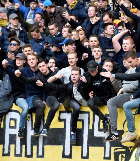 Minuut stilte voor ongeval in Oss bij wedstrijd Vitesse-ADO Den Haag