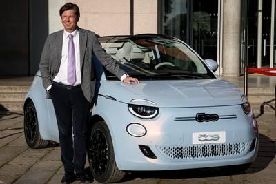 'La Dolce Vita' voor 9 cent per kilometer: waarom Fiat de schattige 500e vermomt als deelauto