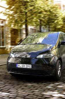 Eerste auto op zonne-energie ter wereld komt uit voormalige Saab-fabriek