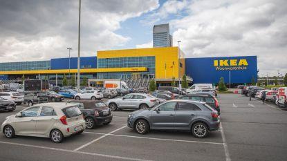 """Ikea wijst klant de deur omdat hij samen met vrouw winkelt: """"Controle op navolging regels verschilt erg per regio"""""""