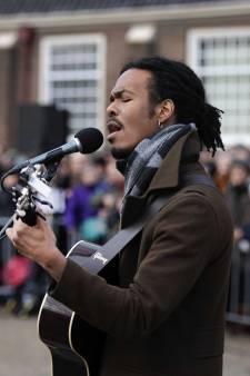 Jeangu Macrooy maakt zich op voor onthulling songfestivallied