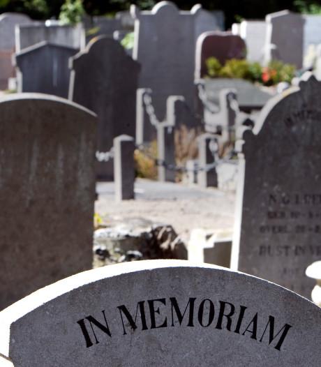 Onbegrip over te vroeg verwijderde grafsteen in Schiedam