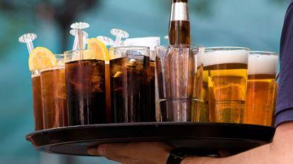 """Een maand zonder alcohol: """"Na een tijd ben je de cola's schijtebeu"""""""