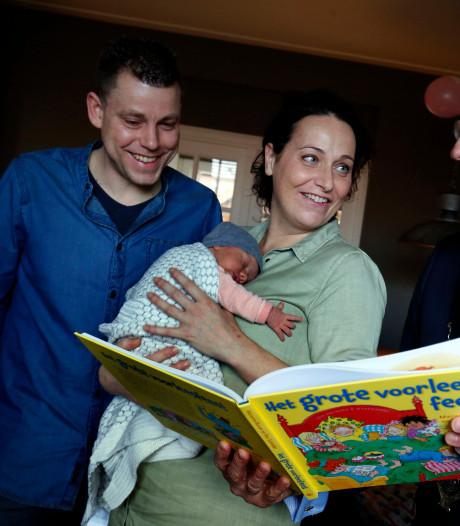 Beschuit met muisjes: Emma is de eerste baby in Vijfheerenlanden