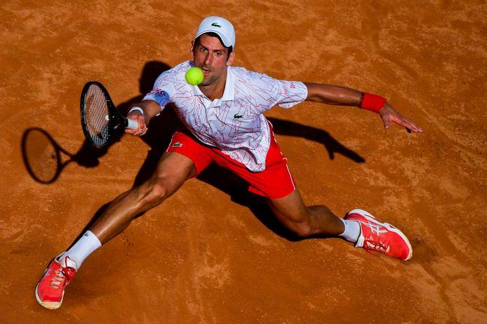 Novak Djokovic in actie in Rome.