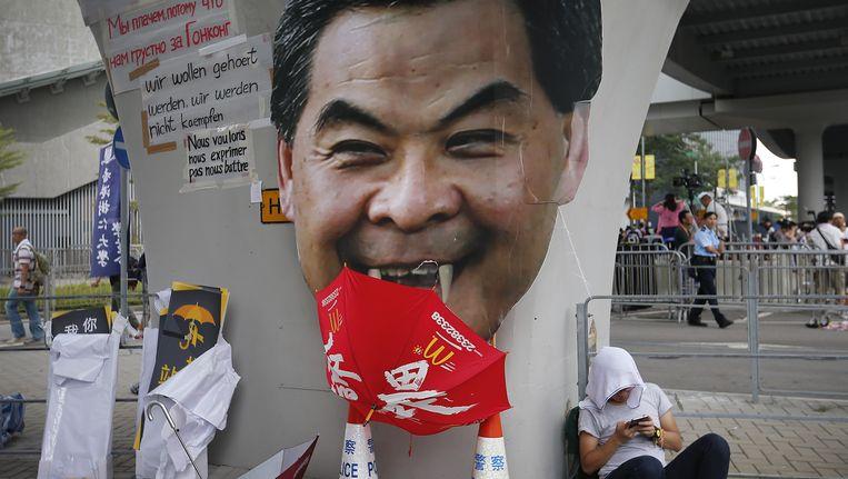 De impopulaire leider van Hongkong Leung Chun-ying heeft het verbruid bij de pro-democratieactivisten. Beeld ap