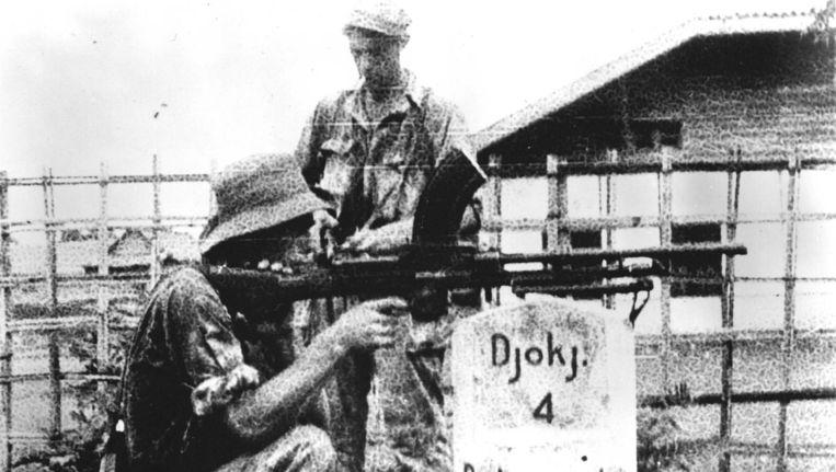 Nederlandse troepen op weg naar Soekarno, Indonesië. 1948. Beeld anp
