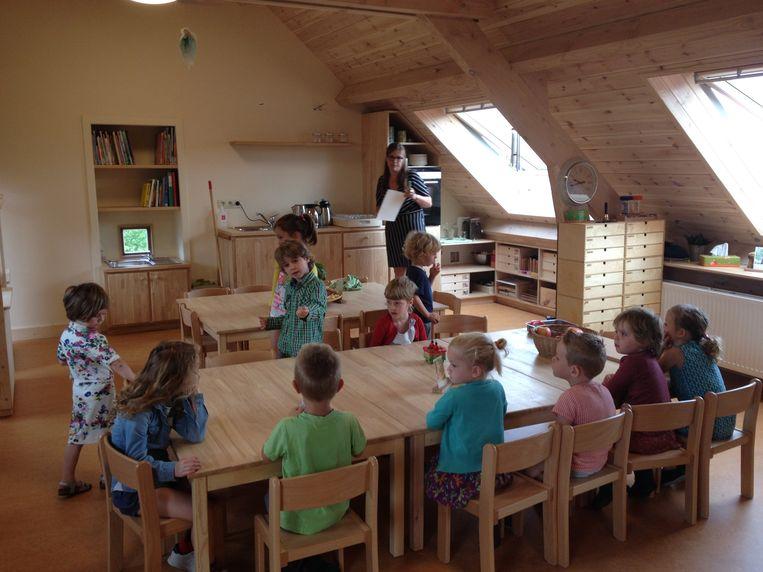 Kleuters in hun nieuwe klas.