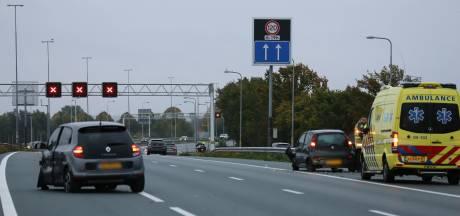 A12 bij Veenendaal afgesloten door ongeval