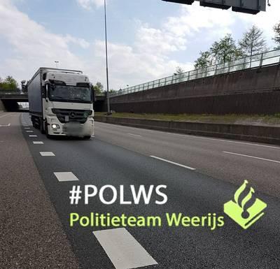 53 bestuurders negeren rode kruizen op A16 bij Prinsenbeek: boete in aantocht