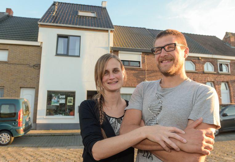 Zij doen het wel: Carolien en Arne zetten de stap al. Zij renoveerden een oude rijwoning, die nu voldoet aan alle mogelijke normen.