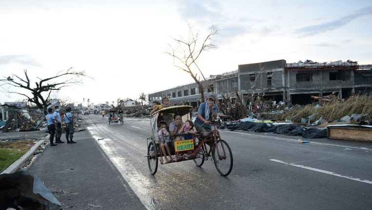 Verwoest gebied bij Tacloban. Beeld afp