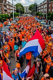 Rotterdamse EK-oranjemars met 400 man klein maar fijn