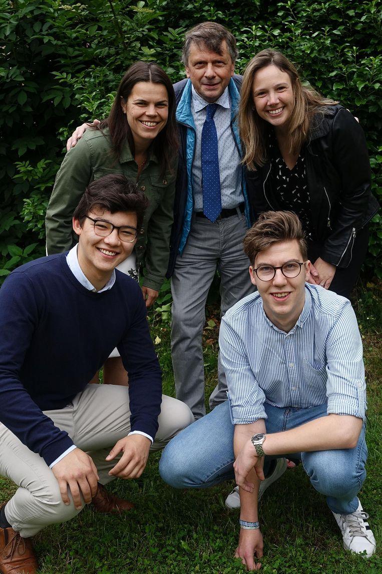 François Saeys samen met de nieuwe namen: Freya Saeys, Werner Jansegers, Terence François en Veronique Verhavert.
