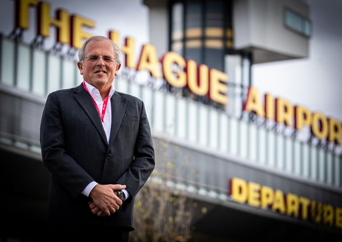 Directeur Ron Louwerse van Rotterdam The Hague Airport heeft moeite met de stilte, maar vertrouwt op de toekomst.