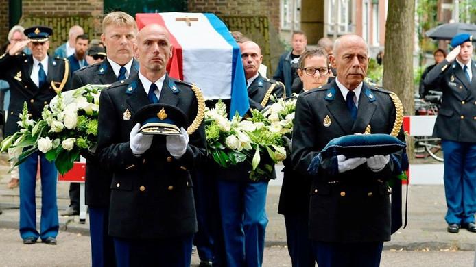 Het afscheid vindt plaats in Rotterdam.