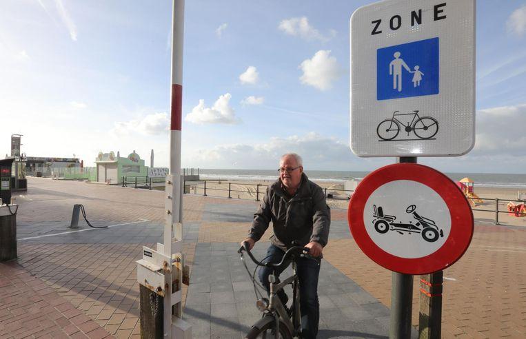 Sinds deze week is fietsen op de Zeedijk van Blankenberge wél toegestaan.