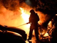 Vier auto's beschadigd door brand op parkeerplaats in Breda