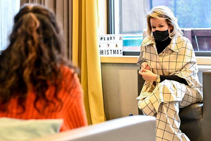 Koningin Mathilde ging in gesprek met jongeren die verblijven in De Zande.