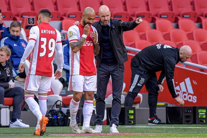 Erik ten Hag liet Sean Klaiber als invaller zijn Ajax-debuut maken tegen SC Heerenveen.