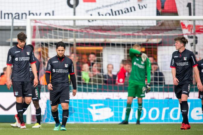 NEC druipt af na de vernedering tegen FC Emmen.