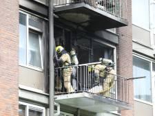 Vlammen sloegen uit ramen van woning in Rijswijk