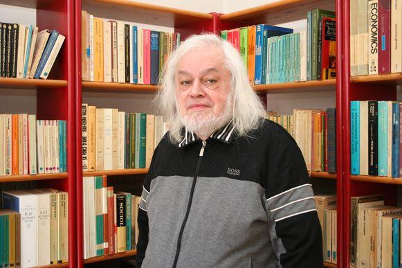 Van Rossem in zijn woning in de Ernest Ourystraat
