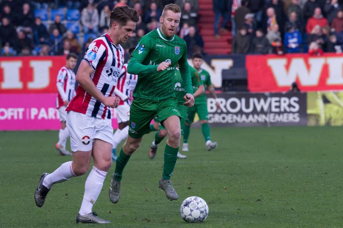 Jordens Peters (links)  en Mike van Duinen van PEC Zwolle.