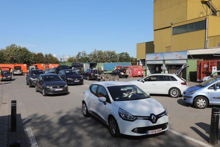 Er is plaats voor 75 auto's in plaats van 15 in het containerpark in het industriepark.