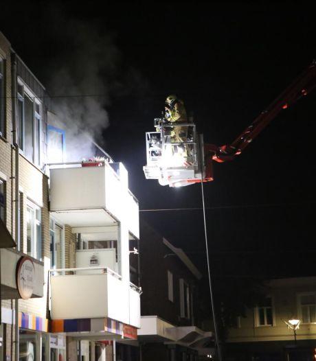Man (88) overlijdt bij grote brand in appartementencomplex in Didam