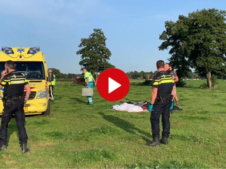Parachutist stort neer in weiland bij Terwolde