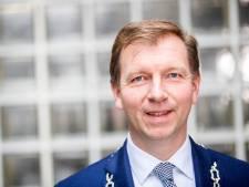 Burgemeester Kats van Veenendaal uit de running om hartoperatie