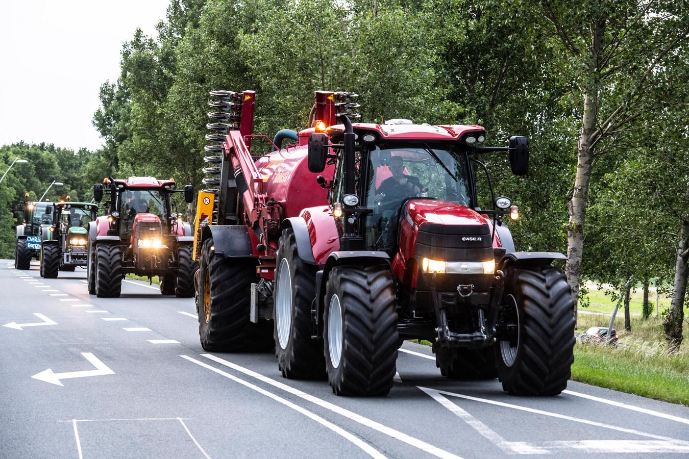 Boze boeren uit met name de Achterhoek onderweg naar Nijmegen.