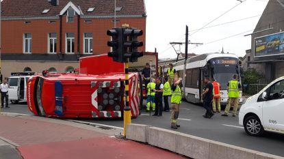 VIDEO. Tram ramt brandweerwagen in Gent, twee gewonden