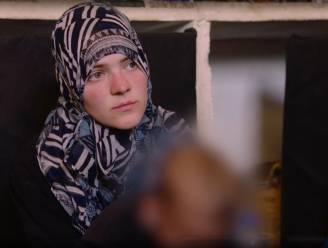 """Haar eerste zoontje noemde ze """"strijder"""" en op geboortekaartje prijkte een mitrailleur: portret van één van de IS-weduwen die België moet laten terugkeren"""