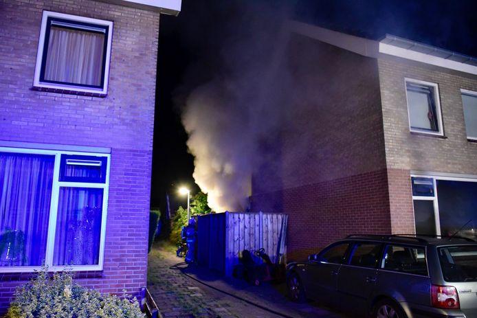 In een woning aan de Dokter Boomstraat in Vriezenveen is maandag- op dinsdagnacht de keuken in brand gevlogen.