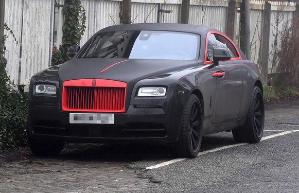 De in de kleuren van Man Utd herspoten Rolls Royce van Lukaku.