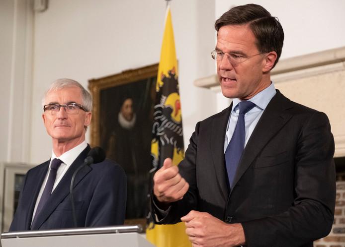 De Vlaamse minister-president Geert Bourgeois (l) en premier Mark Rutte bezochten maandag Middelburg.