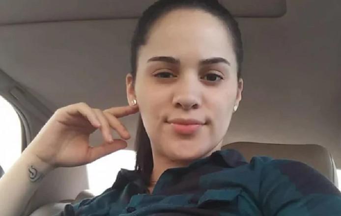 Amanda Ramirez a tué sa soeur jumelle en la poignardant.